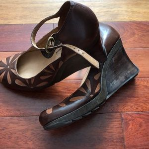 Women's 9.5 wedge heels